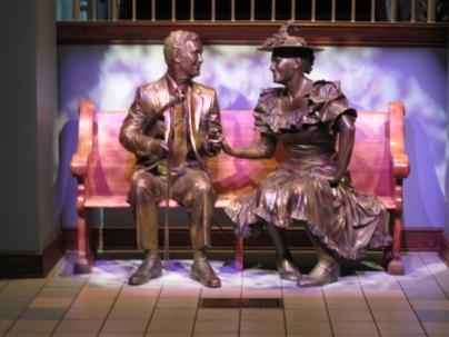 Roy Acuff and Minnie Pearl bronze sculpture in Ryman Auditorium